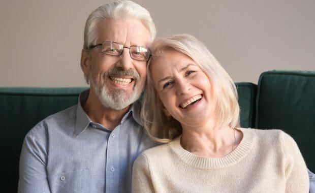 couple_smiling_dental_implants